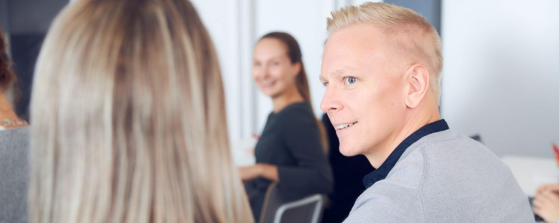 Kehittymishaluisia ja sitoutuneita työntekijöitä kasvun tueksi – Case Softability