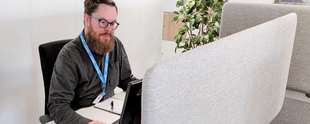 Ohjelmistorobotiikan koulutusohjelma työllisti Henri Korkeilan Software Developerin tehtäviin Oscar Softwarelle.